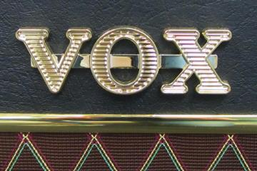 vox-ac15-close.jpg